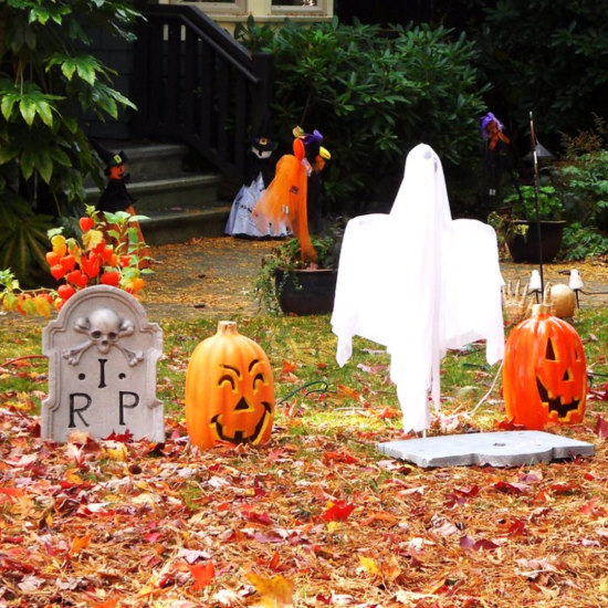 The Best Halloween Decorations To Surprise Your Trick-Or-Treaters