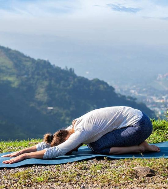 5 Morning Stretches To Do Before You Start Your Day