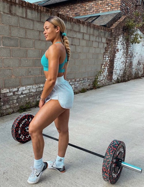 13 Fitness Influencer Inspired Outfits You Should Wear
