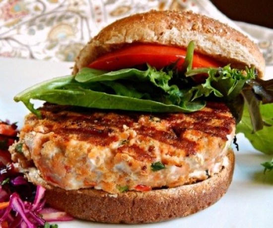 Kick your summer off with the perfect Memorial Day burger suitable for any diet. You are sure to find a recipe that anyone will enjoy while keeping up with this holiday tradition.
