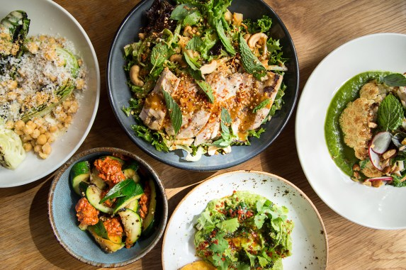 10 Healthy Restaurants To Try In Chicago Right Now
