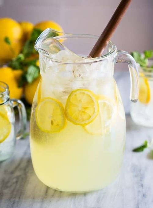 Lemonade is a good alcohol-free drink for Easter brunch with multiple ingredients, which requires water, lemons, and sugar or sugar substitutes in the mixture.