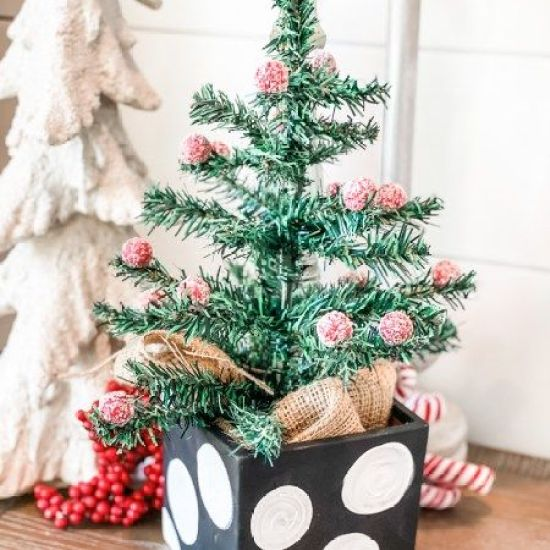 7 Perfect Christmas Decorations For Your Small Apartment