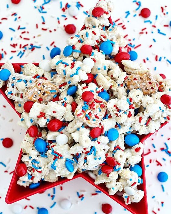 Red, White, and Blue DIY Memorial Day Party Ideas