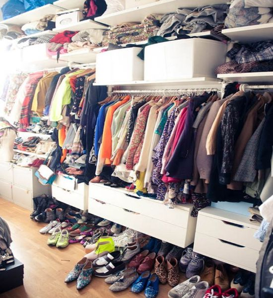15 Signs You Need A New Wardrobe