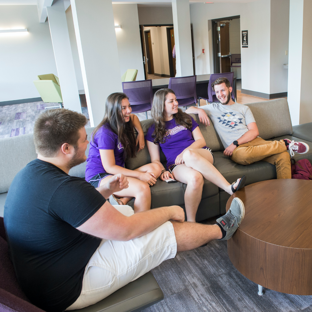Great Ways to Find Your Place in College (That don't Involve Rushing)