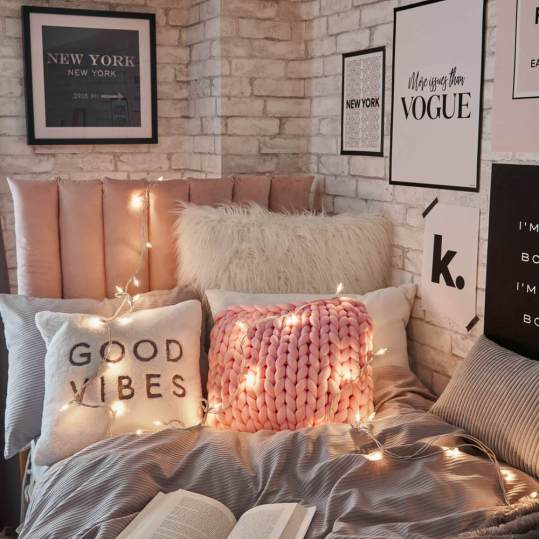Fun And Affordable Ways To Decorate Your College Dorm