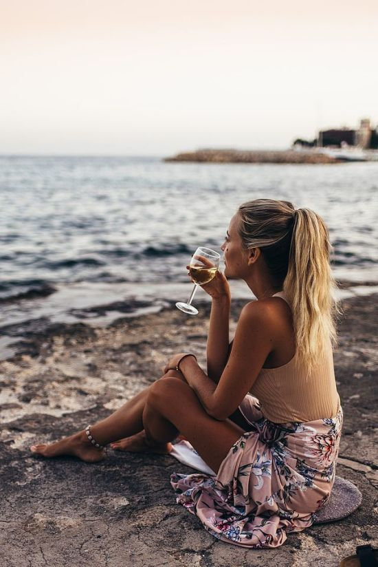 The Best Summer Perfumes For Women That'll Attract Everyone