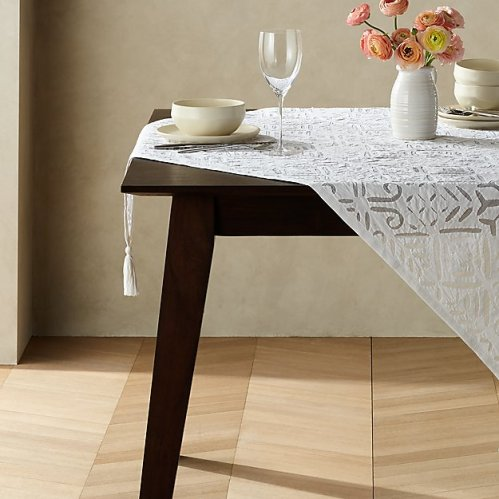 *Beautiful Tablecloths That Will Take Microwaved Meals To The Next Level