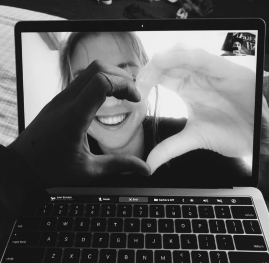 10 Tips For Thriving In A Long Distance Relationship