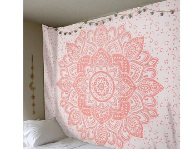 10 Decor Items for Your Trendy Dorm Room