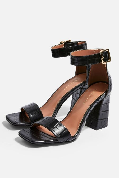*90's Heeled Sandals That You Need In Your Summer Wardrobe