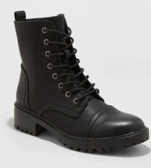 15 black booties that you can wear in the snow