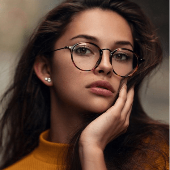 5 Makeup Tips If You Wear Glasses