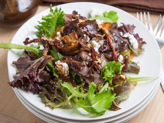 5 Salad Recipes Under 10 Minutes