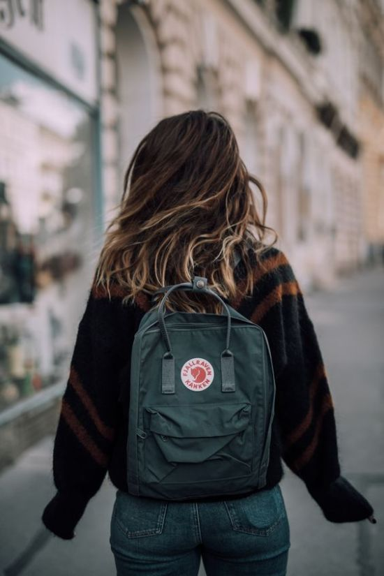 10 Things To Always Have In Your Backpack In College