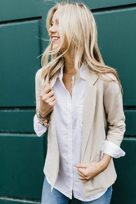 10 Items You Can Re-Wear During Your Internship