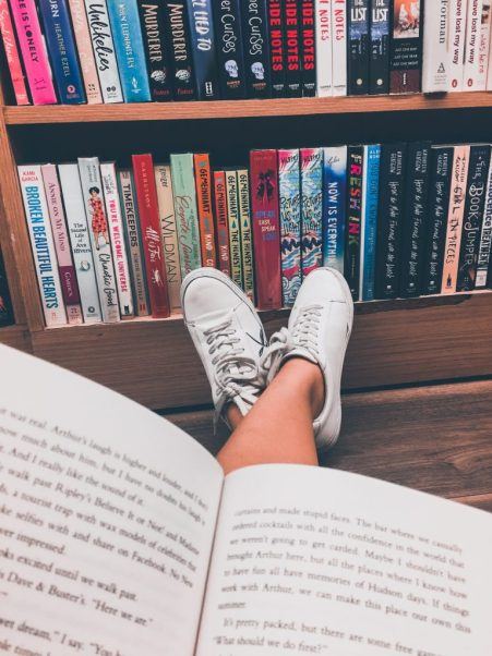 Best Online Book Clubs to Join During the Pandemic