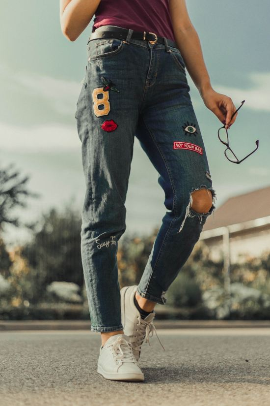 *5 Top And Jeans Outfits That Aren't Boring Or Plain