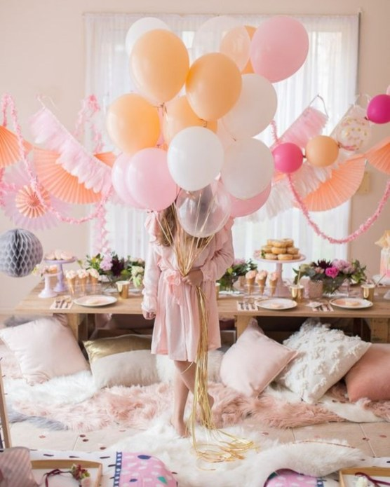 10 Tricks To Host The Perfect Bachelorette Zoom Party
