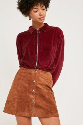 Braun ist keine leicht zu tragende Farbe, aber es sieht so stylisch aus und ist ideal für die Herbstzeit. Es ist fantastisch für einen Herbst-Look, und es sieht so bequem und zusammen.