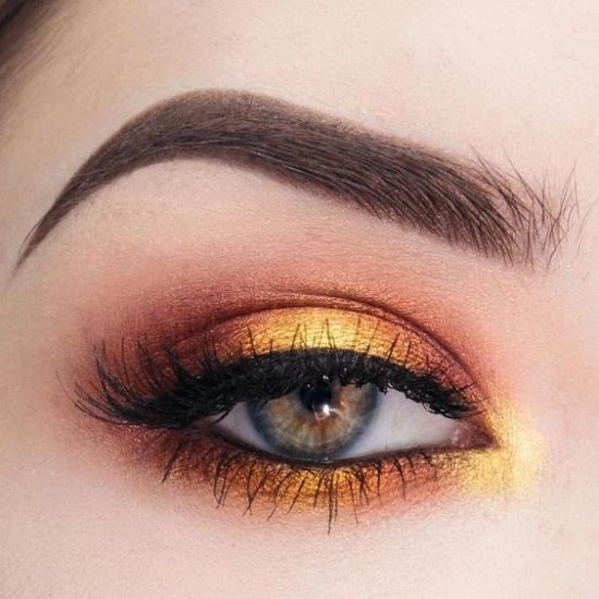 10 Fall Inspired Makeup Ideas For When You're So Done With The Heat