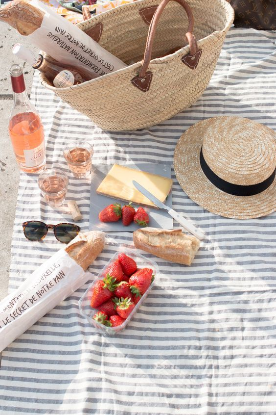 5 Essentials For Your Next Picnic