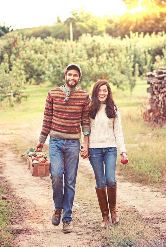 There's just something about fall that makes it perfect for cute dates with your partner. If you adore doing stuff together, check out some of these fall date ideas!