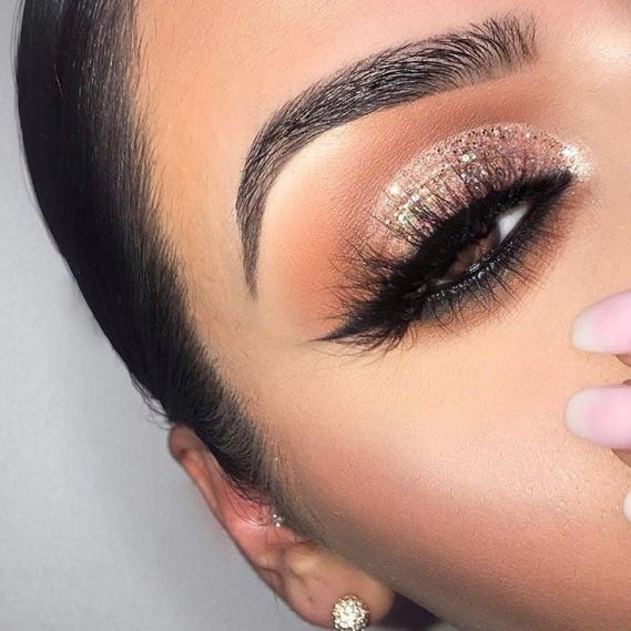 Prom Makeup is a staple piece that has to be the top notch and perfect. If it is not perfect and doesn't compliment your entire outfit then there is no point to go to prom.