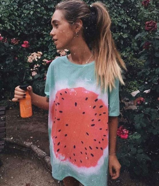 How To Wear The Tie-Dye Trend This Summer