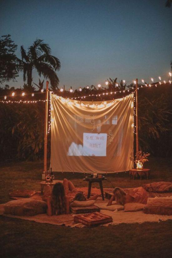 10 Perfect Outdoor Movie Ideas