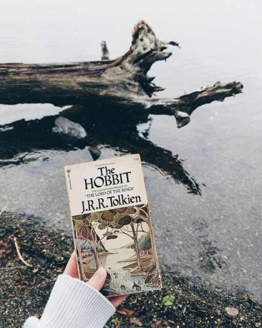 10 Magical Books to Read When You Want to Escape Reality