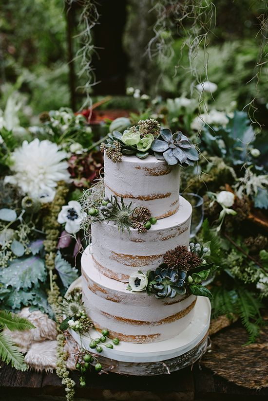10 Essential Components To Your Dream Forest Wedding