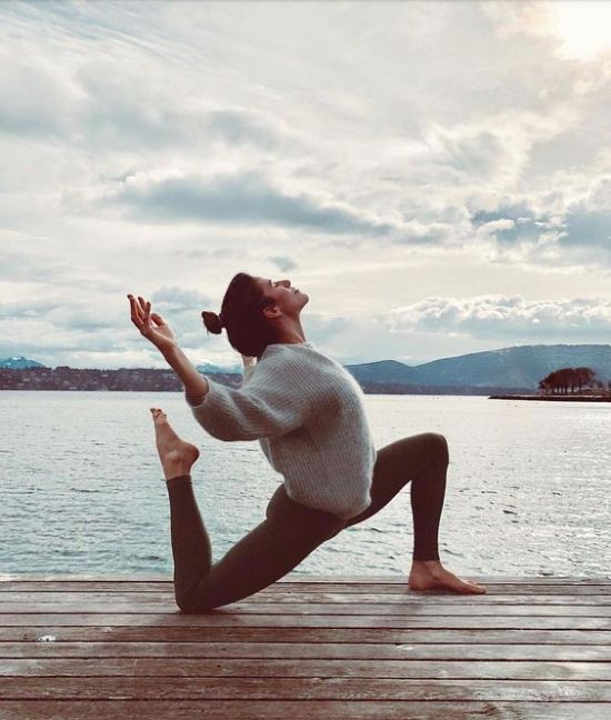 10 Yoga Poses For Those Of Us Who Are NOT Flexible At All
