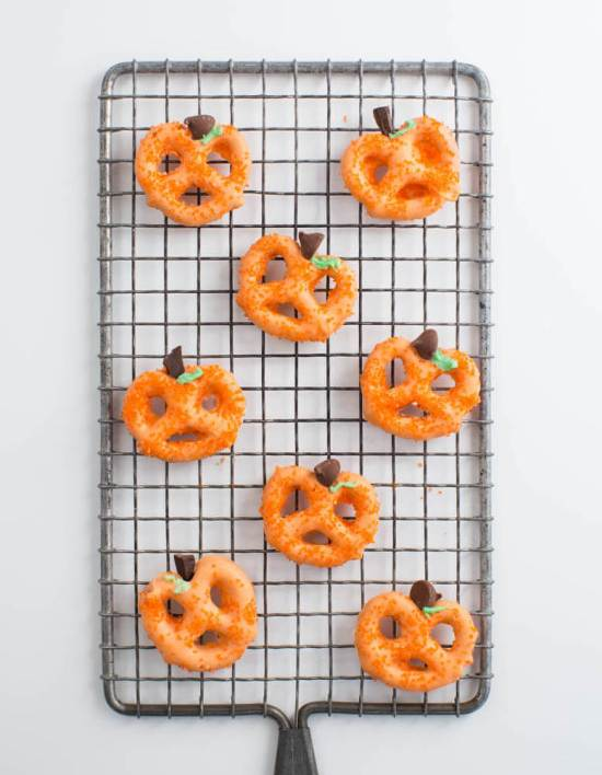 20 Scary Snacks You Need To Make For Halloween