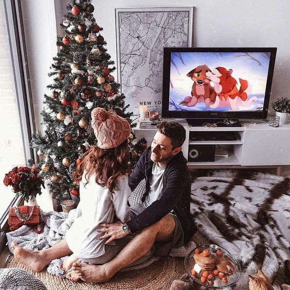 6 Things To Do With Your Special Someone When You're Snowed In