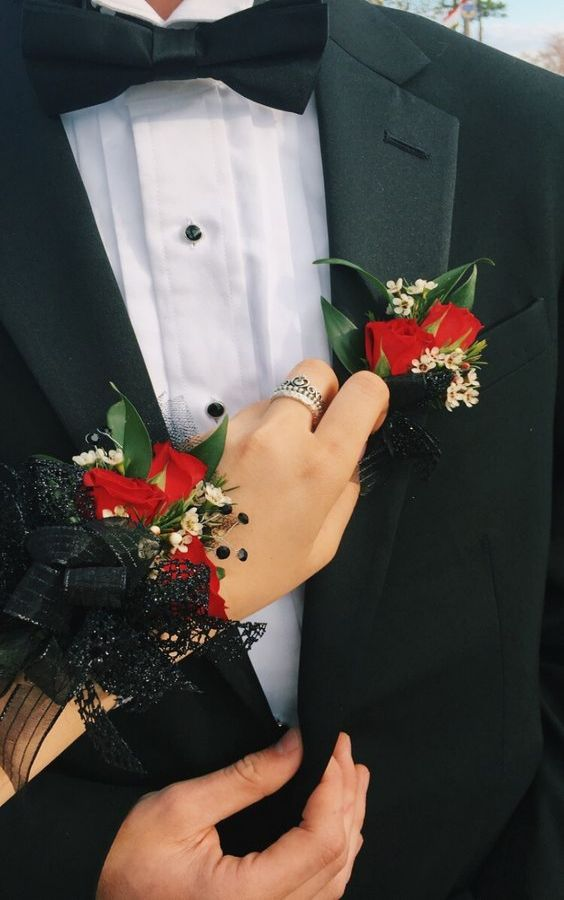 10 Prom Corsage Looks That You Need To Know About Now