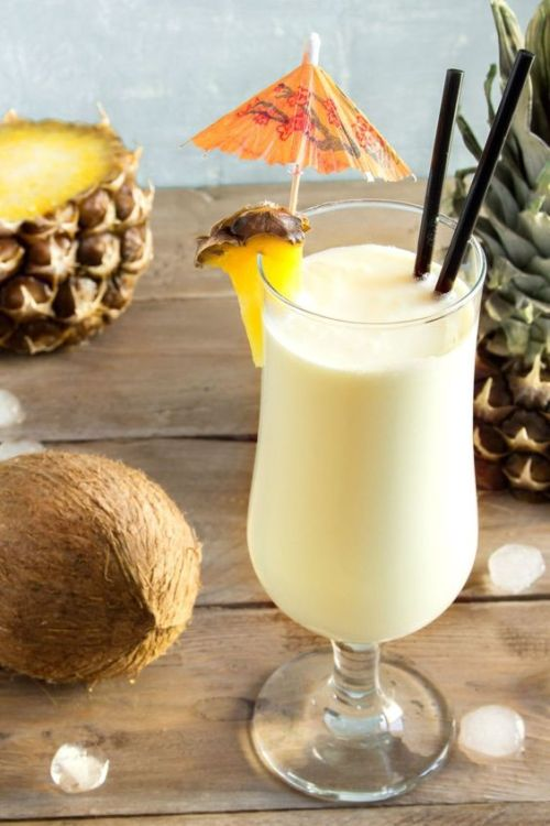 10 Of The Best Alcoholic Drinks To Have On The Beach