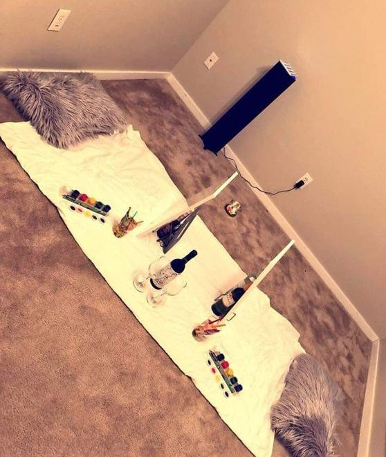 Cute Date Night Ideas For When You Want To Stay In Your Dorm Room