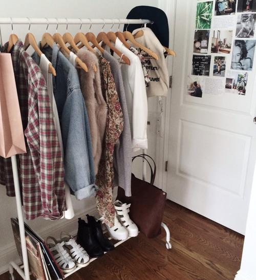 How To Put Together A Minimalist Wardrobe