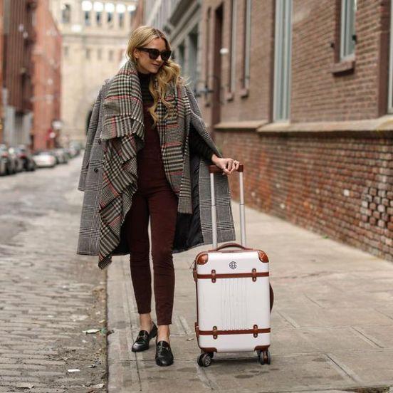 A Girl's Summer Travel Essentials