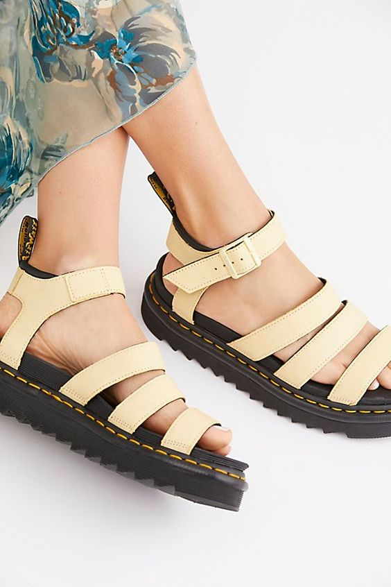 *Platform Sandals to Elevate Your Summer Outfits