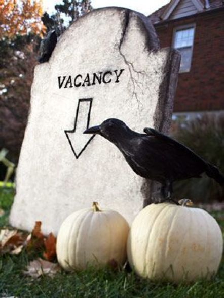 10 DIY Halloween Decorations You Can Put Around Your House This Year