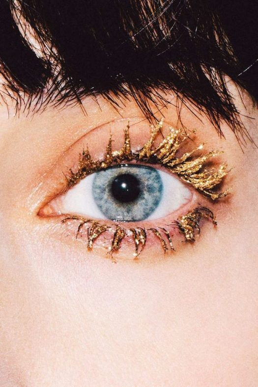 Glittery makeup looks that will have people breaking there necks to see you is the ultimate goal.