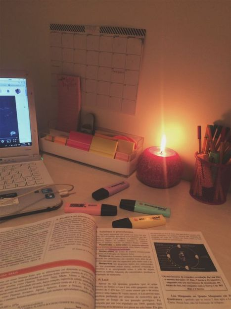 Top 5 Spotify Playlists For That Late-Night Study Sesh