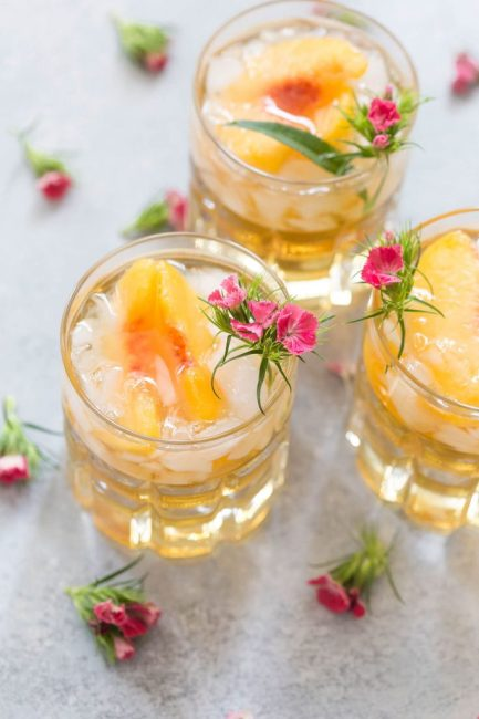 10 Fun Spring Drinks To Try This Season