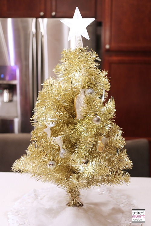 *12 Cute Mini Christmas Trees You'll Want To Buy ASAP For Your Apartment