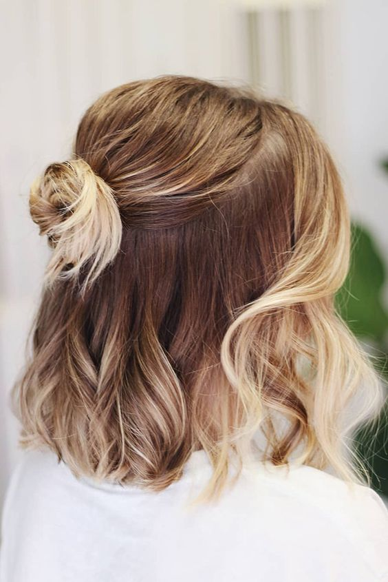 7 Everyday Hairstyles For Short Hair Society19