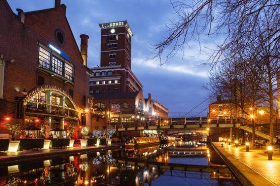 5 Reasons to Visit Birmingham UK