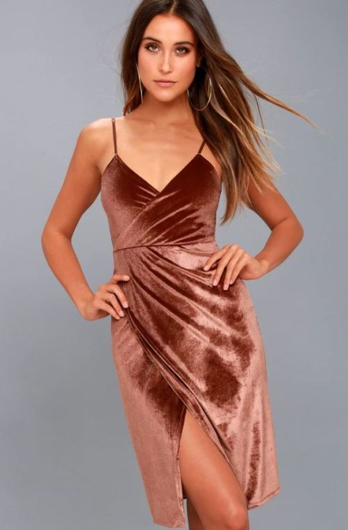 10 Gorgeous Holiday Dresses For Your Next Party